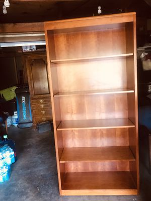 """78"""" H x 36 """" W 15"""" Deep 5 selfs Book case very solid wood & heavy top brand very good condition for Sale in Fresno, CA"""
