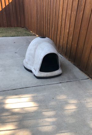 Igloo dog house for Sale in Waxahachie, TX