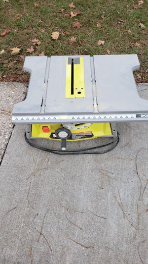 Table saw solo la use pocas beses for Sale in Columbia, MD