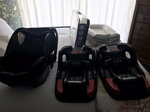 Britax B-Safe 35 car seat with two bases for Sale in Indialantic, FL
