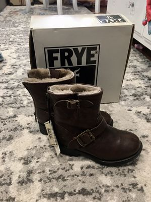Snow boots kids size 10 1/2 for Sale in Schaumburg, IL