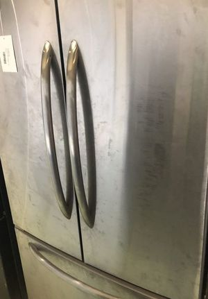 Maytag Refrigerator 9 for Sale in Webster, TX