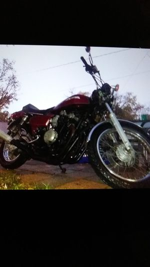 CB 900.10 anav edition...lowmiles!! for Sale in St. Louis, MO