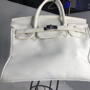 Awesome Big And Beautiful Purse for Sale in Casselberry, FL