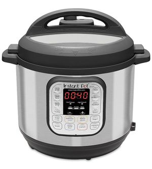 Instant Pot 7-1 electric cooker for Sale in Los Angeles, CA