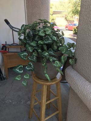 Large plastic pot and fake plant for Sale in Las Vegas, NV