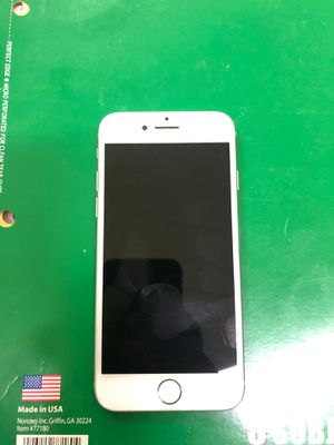 Iphone 7 32 gigs carrier unlocked for Sale in Hazelwood, MO