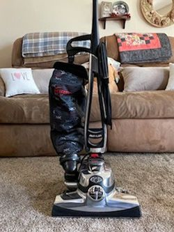 Kirby Vacuum With Attachments for Sale in Kingsburg,  CA