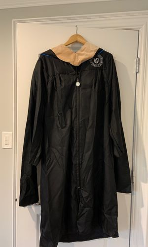 Keller Graduate Gap and Gown 5'4'' for Sale in Orland Park, IL