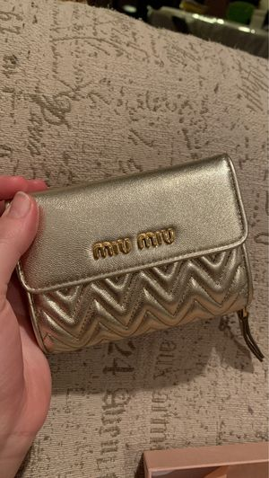 Miu Miu Designer Wallet Purchased in Milan, Italy for Sale in Lemon Grove, CA