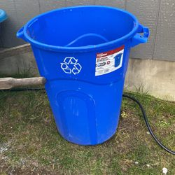 Recycling Can for Sale in Bonney Lake,  WA