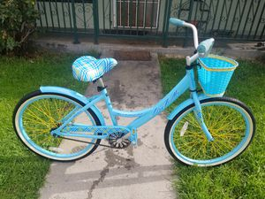 Women bike huffy size24 $70 for Sale in CRYSTAL CITY, CA