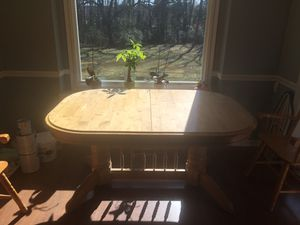 Dining room table for Sale in Clayton, NC