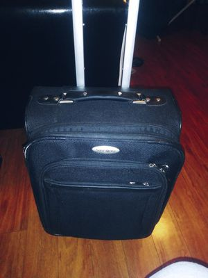 I HAVE 2 OF THESE suitcases on Wells like new must pick of both for 30 $ for Sale in Washington, DC