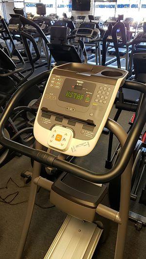 Precor 5.31 commercial grade elliptical for Sale in Glendale, AZ