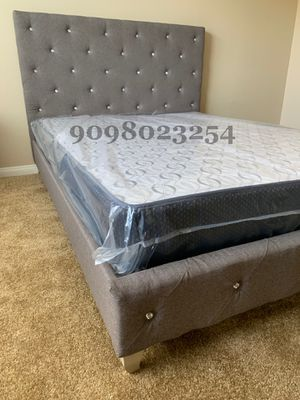 Cal King Gray Button Tufted Bed w. Supreme Orthopedic Mattress Included for Sale in Los Angeles, CA