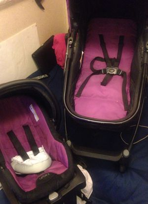 urbini omni plus stroller and car seat for Sale in Ponder, TX