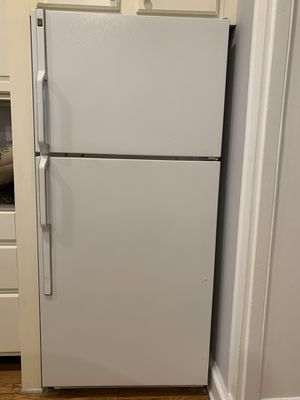 GE Appliance set. Fridge, dishwasher, range and microwave! Almost brand new. Entire pkg goes for $900 for Sale in Washington, DC
