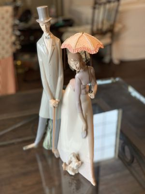 Lladro Lady and Man with Umbrella 19.5 inches tall for Sale in Richardson, TX