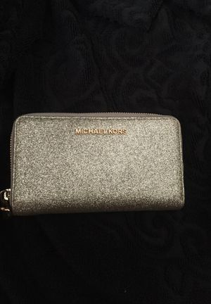 Authentic Michael Kors. Wallet for Sale in Princeton, MN