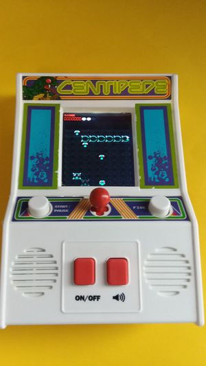 1981 CENTIPEDE ARCADE GAME for Sale in Herndon, VA