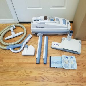 BRAND NEW ELECTROLUX LUX LAGACY MODEL VACUUM WITH COMPLETE ATTACHMENTS, AMAZING POWER SUCTION, WORKS EXCELLENT, IN THE BOX for Sale in Auburn, WA