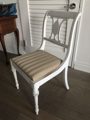 White chair, new upholstery, great condition - $25 or best offer for Sale in New York, NY