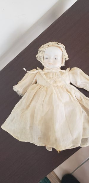 Antique Porcelain doll for Sale in Aberdeen, MD