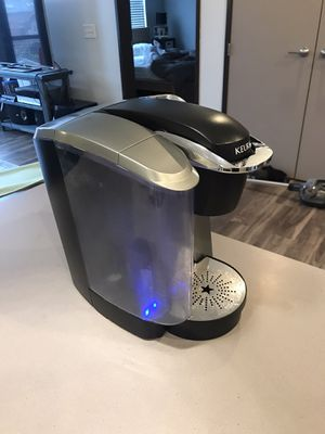 Keurig coffee maker for Sale in Cleveland, OH