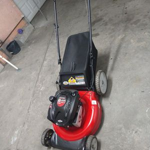 Yard machines lawn mower for Sale in Compton, CA