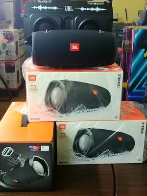 Brand New JBL Extreme 2. Bluetooth. 15 hours of play time. Waterproof. Powerbank. Rechargeable speaker. for Sale in Miami, FL