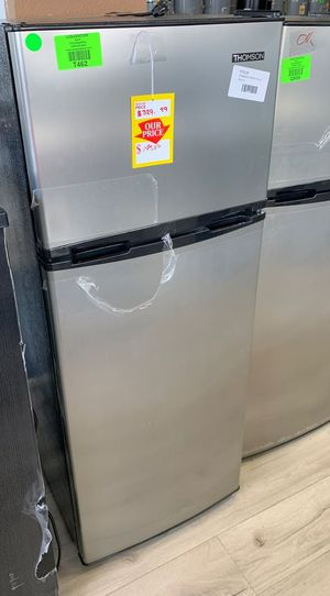 THOMSON MINI FRIDGE QKF for Sale in Los Angeles, CA