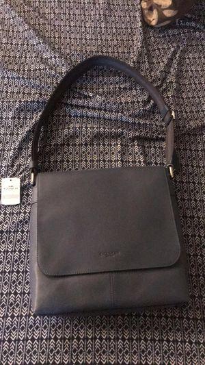 BRAND NEW MENS COAH MESSENGER BAG for Sale in Charlotte, NC
