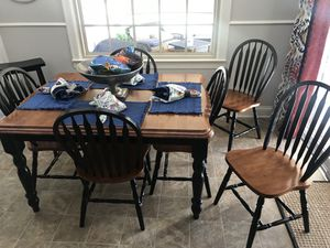 Kitchen Table w/ 6 chairs, leaf for table extension and stool for Sale in Lexington, KY