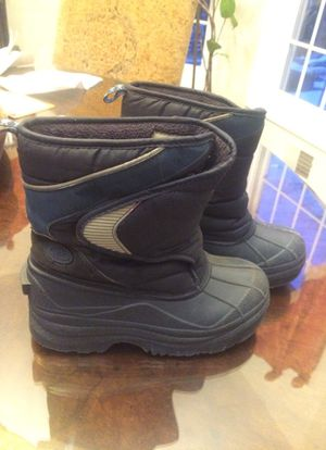 Kids snow boots for Sale in Millstone, NJ