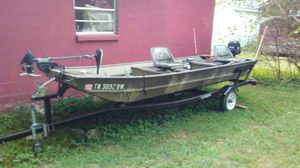 *Reduced* 14'-Aluminum fishing boat w/20hp Mercury outboard $2000 obo for Sale in Hohenwald, TN