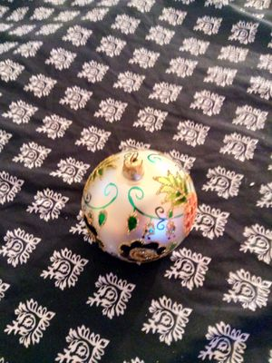 Christmas collectible Southern colonial ball. for Sale in Orlando, FL