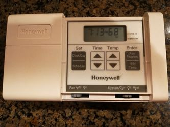 Honeywell Thermostat for Sale in Bellevue,  WA
