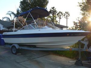 1988 Bayliner Capri boat with a 5.0 GMC engine that's fresh there's no outdrive there's no registration in fair condition for Sale in Sacramento, CA