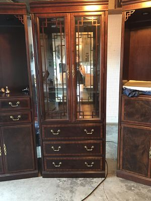 3 piece, Drexel Heritage vintage display cabinet, Beautiful Cherry wood for Sale in Auburn, WA