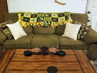 Almost Brand New Couch Loveseat And Coffee And Endtable for Sale in South Jordan,  UT