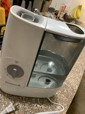Honeywell humidifier for Sale in Cary, NC