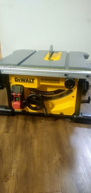 Dewalt-15 Amp Corded 8-1/4 in. Compact Jobsite Tablesaw for Sale in Houston, TX