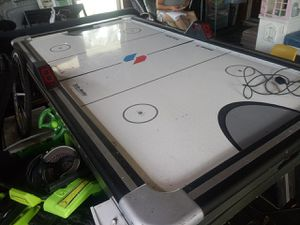 Air hockey table for Sale in Montverde, FL