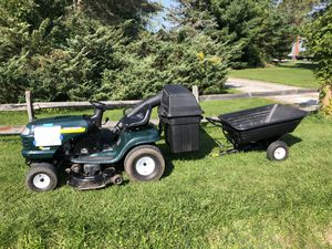 Sears Craftsman Lawn Tractor with accessories for Sale in Chesterland, OH