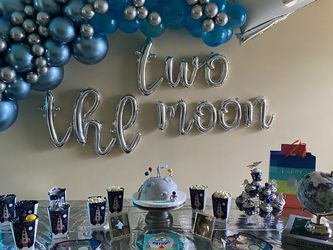 Decorations for Sale in Hialeah,  FL