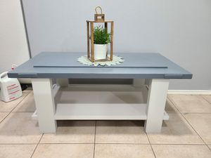 Farmhouse coffee table for Sale in Cypress, TX
