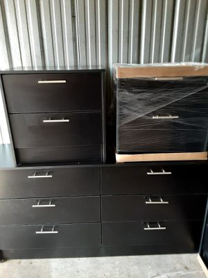 NEW PRETTY BLACK DRESSER WITH 2 NIGHTSTANDS INCLUDED for Sale in Palm Beach Shores, FL