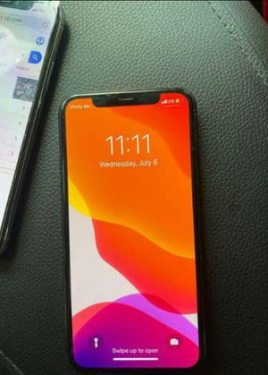 IPhone11 pro max unlocked for Sale in Phoenix, AZ