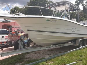 Boat for sale 97 Bayliner Trophy 25 feet for Sale in Opa-locka, FL